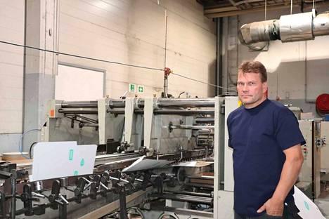 Toimitusjohtaja Jussi Repo on mielellään mukana tuotannossa.