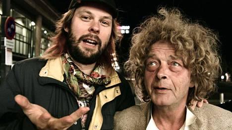Goodiepalin lisäksi dokumentissa esiintyy hänen hyvä ystävänsä Poul Erik.