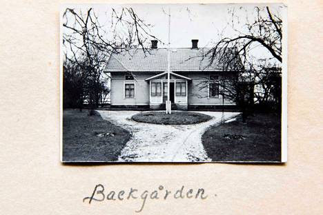 Ruotsin koti tuntui ihmeellisen ihanalta kartanolta. Kotona Suomessa oli ollut vain yksi huone koko perheen käytössä, nyt pieni tyttönen sai oman huoneen.
