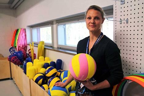 Nokian kaupunki palkittiin torstaina alueellisella kunniamaininnalla Suomen perheliikuntamyönteisin kunta -kilpailussa. Kuvassa liikuntapalvelupäällikkö Hanna Murotie.