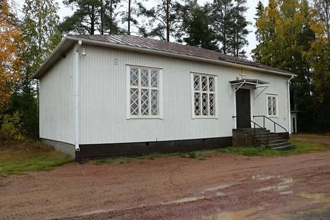 Hormiston rukoushuoneen vauriot ovat niin mittavat ja käyttö niin vähäistä, että korjaamiseen ei kannata ryhtyä.