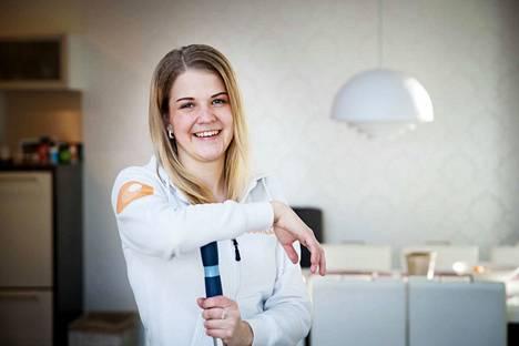Soili Tyni on Koti Puhtaaksi Oy:n työnjohtaja, mutta pyrkii osallistumaan siivouksiin mahdollisuuksien mukaan.