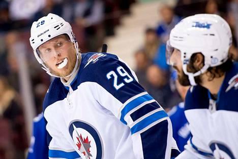 Patrik Laine pelaa tällä hetkellä NHL:ssä. Laine siirtyi rapakon taakse viime vuonna.