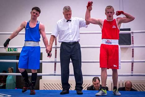 Kuvassa Boxing Club Nokian Joonas Helin (oikealla) Pirkka-turnauksessa vuonna 2016.