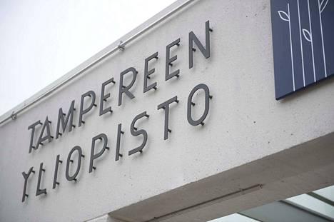 Kallion lukion lehtori opetti Tampereen yliopistossa 1990-luvulla.