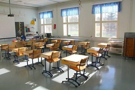 Laurin koululle on alustavien suunnitelmien mukaan tulossa vuokra-asuntoja. Jumppasalia on tarkoitus vuokrata tarvitsijoille.