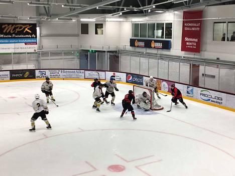 Kuva KPK:n lauantaisesta pelistä.