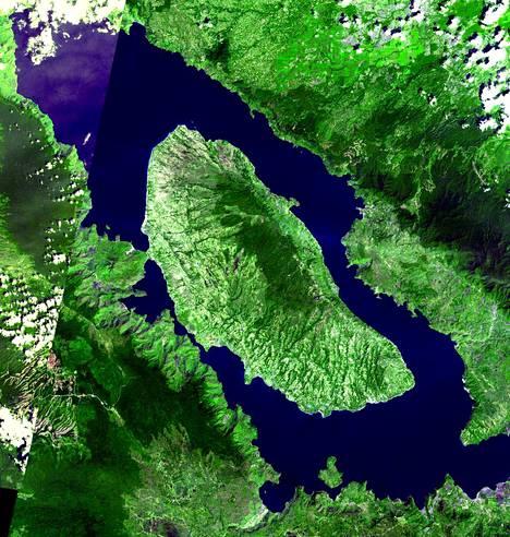 Sumatran saarella sijaitsevan Toban supertulivuoren kalderan eli kattilalaakson halkaisija on 80 kilometriä. Toba-järvi on maailman suurin vulkaaninen järvi.