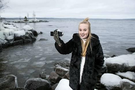 Tubettaja Mmiisas eli  Miisa Rotola-Pukkila oli vuonna 2016 nuorten 13–17-vuotiaiden suomalaisten toiseksi suosituin idoli.