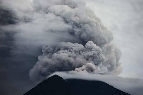 Tällä viikolla otsikoissa on ollut suositulla turistisaarella Balilla Indonesiassa tapahtunut tulivuori Agungin purkautuminen.