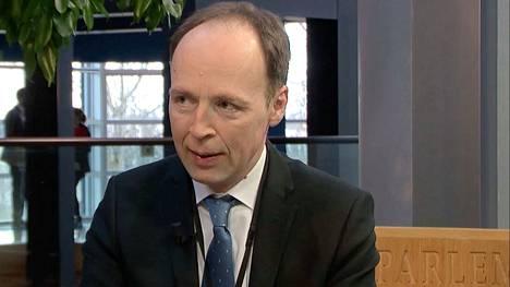 Perussuomalaisten puheenjohtaja Jussi Halla-aho huomauttaa, että Kiinan investoinnit ovat tuoneet työpaikkoja ja lisänneet Afrikan sisäistä kaupankäyntiä.