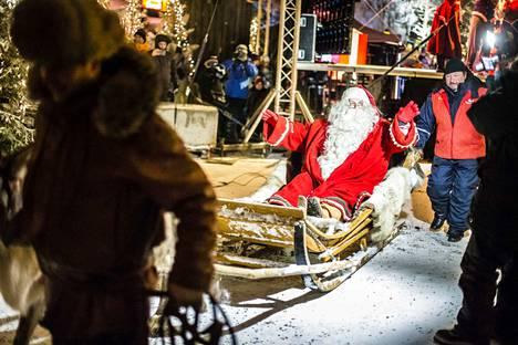 Joulupukki lähtee kohta Rovaniemeltä kohti Valkeakoskea.