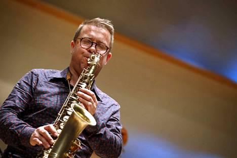 Pori Sinfoniettalla oli syksyllä kaksi jazzkonserttia. Jukka Perko juhli kvartettinsa kanssa Dizzy Gillespietä.