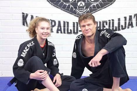 Sara Lehto ja Aki Lehto edustavat Nokian Kamppailu-Urheilijoita.