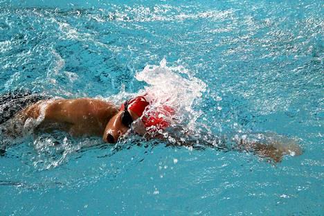 Loppiaisena 6. tammikuuta perheet pääsevät polskimaan uimahallissa erikoisohjelman puitteissa.