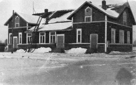 Rauhala oli Kauvatsan Työväenyhdistys Pyrinnön talo. Venäläistä sotaväkeä talossa majoittui elokuun lopulta 1917 helmikuun 3. päivään 1918.