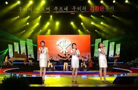 Moranbong esiintymässä Pjongjangissa toukokuussa 2014.