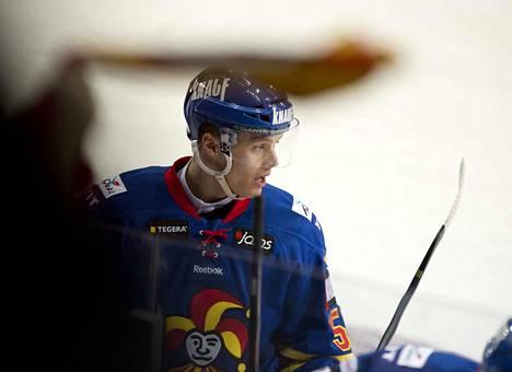 Tuleva ässähyökkääjä Aleksi Rekonen avasi liigauransa Jokereissa, jossa hän pelasi myös juniorina.