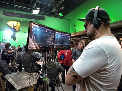Iron Sky -elokuvien ohjaaja on Timo Vuorensola.