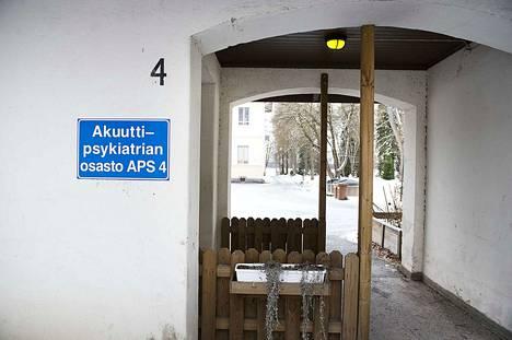Aikuispsykiatria siirtyy Nokialta Kauppiin. Psykiatrista laitoshoitoa annetaan Nokian Pitkässäniemessä yli sata vuotta vanhoissa kiinteistöissä.