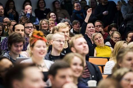 Tampereen yliopistossa tiistaina järjestettyyn tilaisuuteen osallistui noin 150 henkilöä, opiskelijoita ja henkilökuntaa.