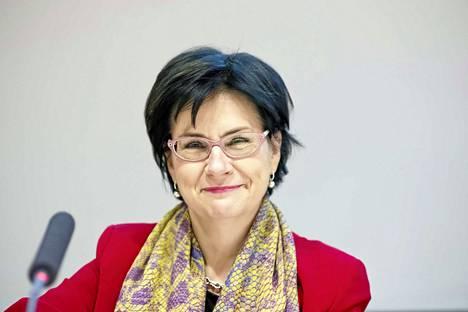 Kansliapäällikkö Anita Lehikoinen sanoo, että ministeriön tehtävä on pitää huoli siitä, että asioissa edetään Tampere3-voimaanpanolain mukaisesti ja sen määräämässä aikataulussa.