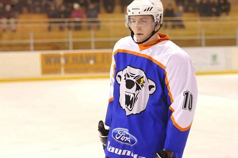 Tuomas Tikka (kuvassa) puolusti lauantainakin luotettavasti ja niin teki Sami Eronenkin.