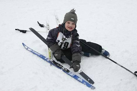 Perheen pienemmille tarkoitetut hiihtokilpailut siirrettiin maaliskuun alkuun.