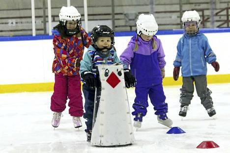 Karkaa luistelemaan on koko perheelle tarkoitettu liikuntatapahtuma Keuruun jäähallin puitteissa tiistaina 27. helmikuuta.