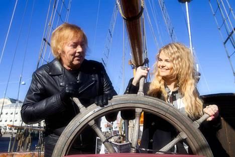 """Ilkka """"Danny"""" Lipsanen ja Erika Vikman esiintyvät Nokian Ylis'festareilla lauantaina 11. elokuuta."""