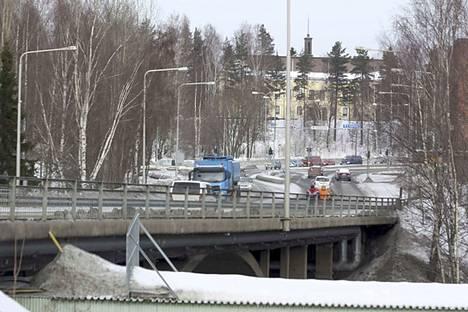 Tältä Emäkosken silta näytti muutama vuosi sitten.