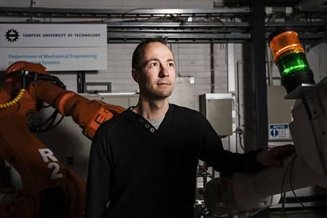 Tampereella järjestettävän suuren robotiikka-alan konferenssin pääorganisaattorin rooli Suomessa on pitänyt Jyrki Latokartanon kiireisenä viime kuukausina.
