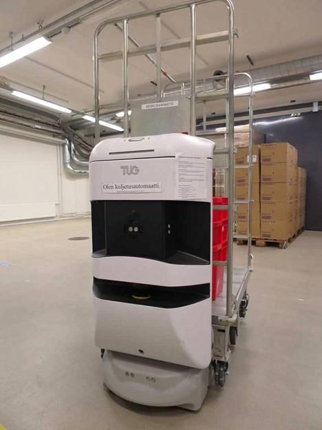 Seinäjoen keskussairaalassa robotit kuljettavat jo tarvikkeita paikasta toiseen.