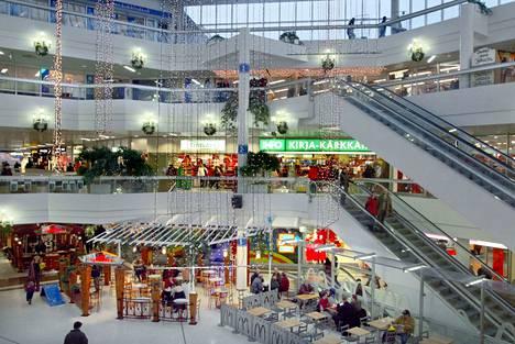 Tältä kauppakeskuksessa näytti marraskuun lopulla vuonna 2003.