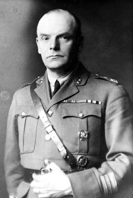 Valkoisten Gunnar Melin johdatti joukkonsa ensimmäisenä Näsilinnalle 3.4.1918.