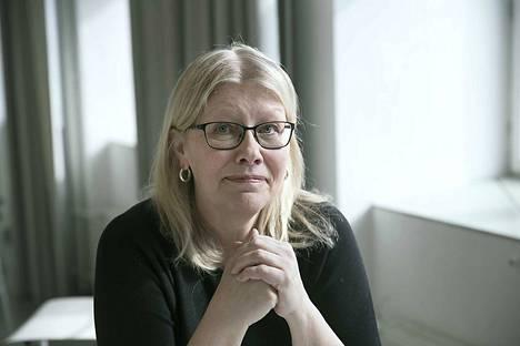 Tiina Aalto on tyytyväinen, sillä hänen työttömyyskorvaustaan ei leikata. –Toivottavasti pääsen tekemään muutaman päivän keikkoja jatkossakin.