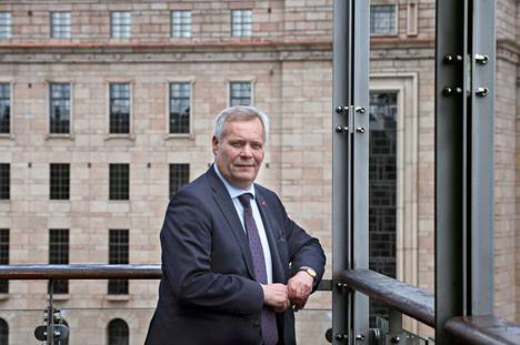 Oppositiojohtaja Antti Rinne kutsuu aktiivisuusvaatimusta työttömyysturvan raippamalliksi.