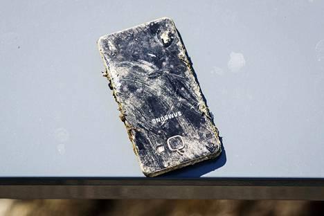 Toinen Willbergin löytämistä kännyköistä oli uudehko älypuhelin.