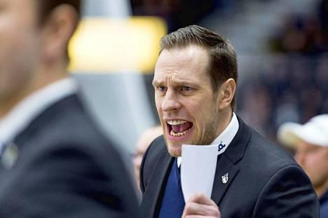 Viimeksi Ville Nieminen on toiminut Jukurien kakkosvalmentajana.