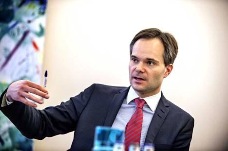 Nykyinen sisäministeri Kai Mykkänen on ollut kokoomuksen nuorten johdossa.