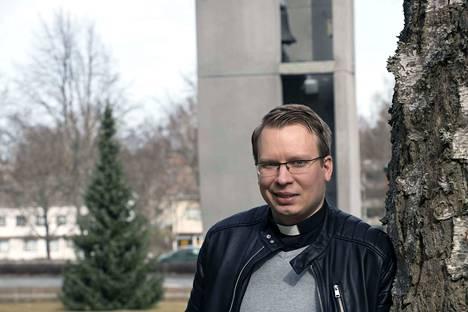 Henri Koskinen aloittaa kappalaisena syyskuun alussa. Siihen asti hän toimii seurakuntapastorina.