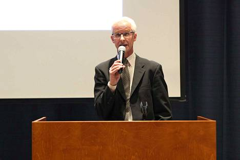 Tampereen yliopiston tutkija Tuomas Hoppu kertoi Tampereen naiskaartista. Hän myös laati nimilistat sunnuntaina 22. huhtikuuta Nokian hautausmailla paljastettujen, vakaumustensa puolesta kuolleiden muistolaattoja varten.