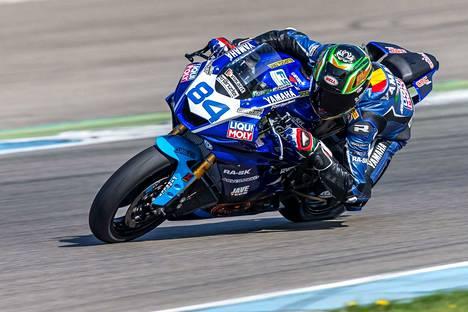 Sandro Cortese on nyt ratamoottoripyöräilyn Supersport-sarjassa kuljettajien MM-pisteissä kolmantena.