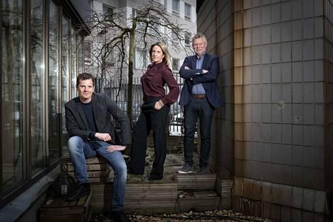 Martin Österdahl, Denise Rudberg ja Arne Dahl kirjoittavat kaikki hyvin erilaisia dekkareita. Österdahl määrittelee teoksensa trillereiksi, Dahl on puolestaan kunnostautunut poliisiromaaneissa. Chick lit -kirjallisuudella aloittanut Rudberg tuo tiettyä kepeyttä dekkareihinsa vaikka kirjoittaa vakavista aiheista.