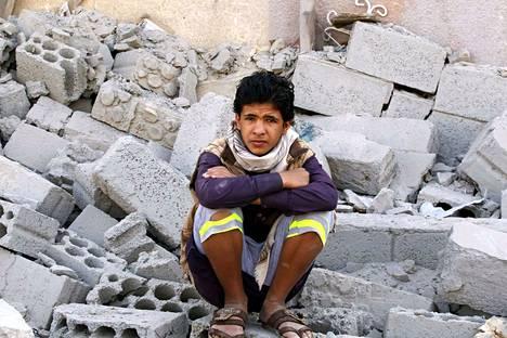 Jemenissä on tuhoutunut monia taloja Saudi-Arabian johtaman liittouman pommituksissa.