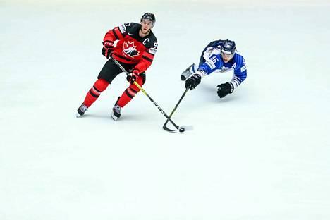 Kanadan tähti Connor McDavid jäi kaksi maalia iskeneen Mikko Rantasen varjoon.