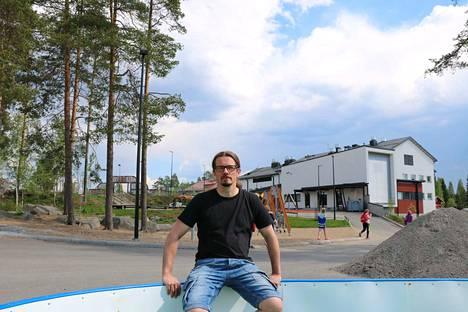 Keuruun yläkoulun rehtori Jukka Oikarinen on tyytyväinen, että koulutukseen panostetaan ennaltaehkäisevästi.