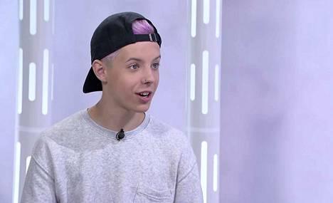 Tuure Boelius tunnetaan laulajana, näyttelijänä ja tubettajana.