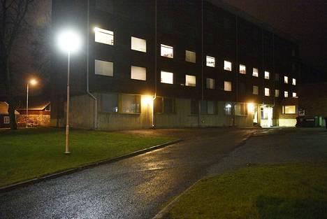Vakava väkivaltarikos sattui turvapaikanhakijoiden asuintiloissa Liinaharjan vastaanottokeskuksessa  28. kesäkuuta viime vuonna.