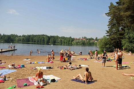 Nokialla esimerkiksi Kennonnokan uimarannalla kelpaa paistatella kesäpäivää.